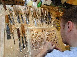 nick-carving