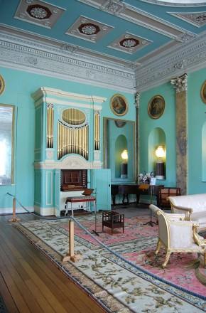 powderham-castle-organ