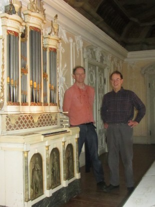 1Dominic and Edward delivering the Dutch chamber organ to Andreas Beurmann